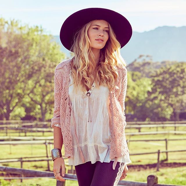 Girls just wanna have sun! #sizzlingcardigan #oddmolly