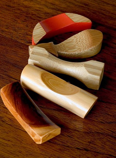 Five woods From front to back: Nutty Pine, Cherry stick, fused Oak, Coconut palm and Bamboo.