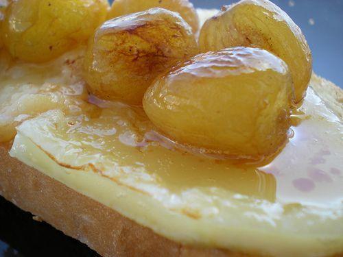 Tostas de queso boffard y uvas - Receta Petitchef
