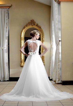 Open back bow wedding dress