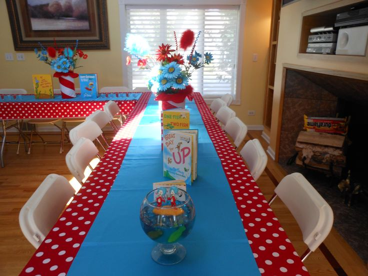 Table Decorations For Dr Seuss   Google Search