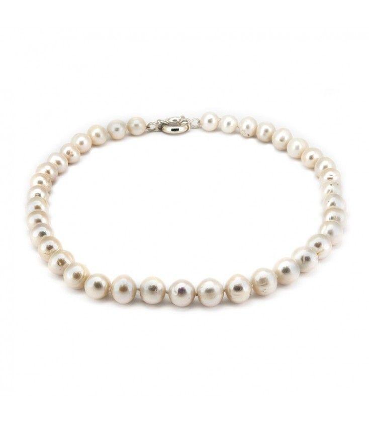 Collar de perlas cultivadas y cierre de plata de primera ley en subasta online.