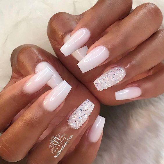 Glamouröse Acryl Matte und Stiletto Nails Design – Frisuren 2u – Nails