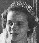 Tiara Mania: Meander Tiara worn by Queen Anne of Romania