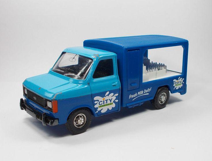 Corgi - Ford Transit Van - Die-Cast Model Toy
