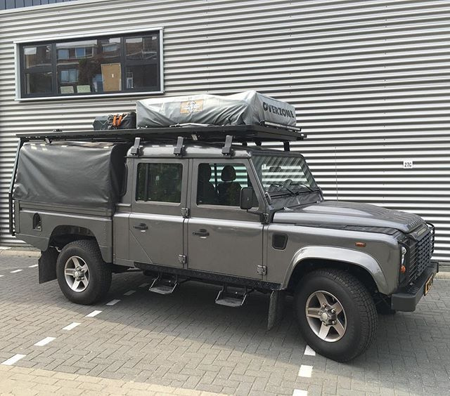 beautiful custom made front runner full roofrack on a defender 130 crew cab land rover. Black Bedroom Furniture Sets. Home Design Ideas