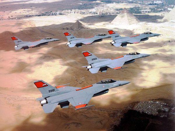 Noticia Final: Aviões de combate egípcios chegam à Síria: relatór...