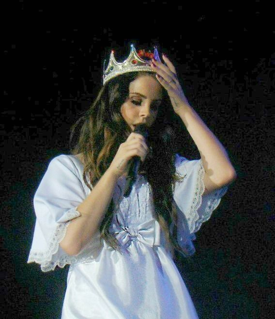 Lana Del Rey Performing In Argentina Lana Del Ray Celebs Beautiful People