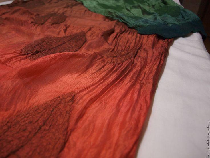 Купить Шарф палантин валяный на шелке Осенние листья - scarf, handmade scarf, шарф, палантин, войлок, валяный шарф