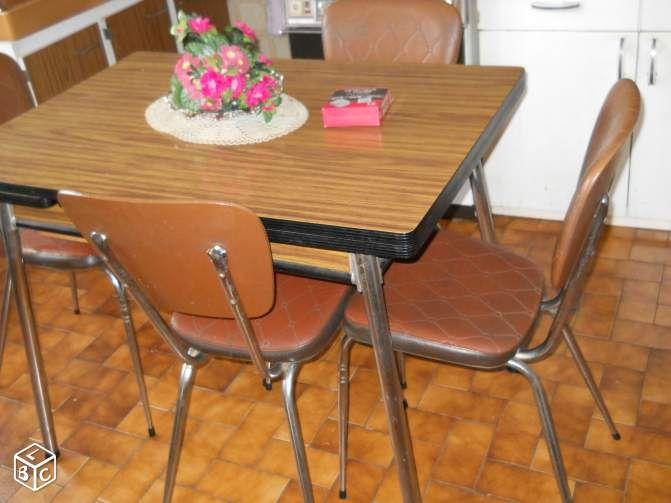 Table cuisine et chaises ameublement allier for Abonnement cuisine sympa