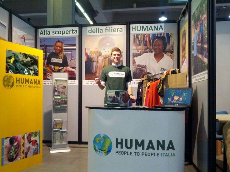 Il viaggio alla scoperta della #filiera di HUMANA @Fa' la cosa giusta! 2015 e di quante cose riesce a fare HUMANA grazie ai #vestitiusati che doni nei nostri contenitori! #falacosagiusta