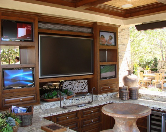 multiple tv's in outdoor kitchen/lounge | :: OUTDOOR