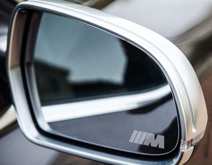 2 x BMW M Fahne Sport Small Symbol Spiegelaufkleber aus Milchglasfolie, Aufkleber aus Frost Folie, UV & waschanlagenfest, Milchglas, Frost, Aufkleber,Sticker für Spiegel, Aussenspiegel, Außenspiegel, von Myrockshirt: Amazon.de: Auto