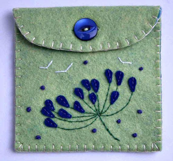Felt coin purse. Flower button pouch. Blue agapanthus