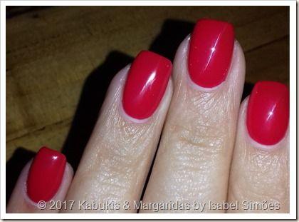 Kabukis & Margaridas: Unhas de Gel de Março - Vermelho Morango