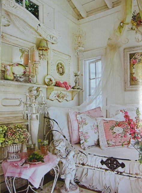 Romantic Homes vintage chic