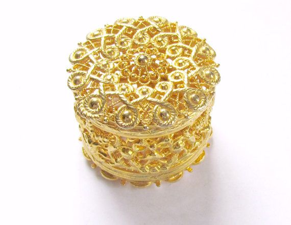 #Vintage Gold Jewelry Casket Round Filigree Box by vintagepaige  sc 1 st  Pinterest & 126 best Filigree boxes images on Pinterest | Trinket boxes Boxes ... Aboutintivar.Com