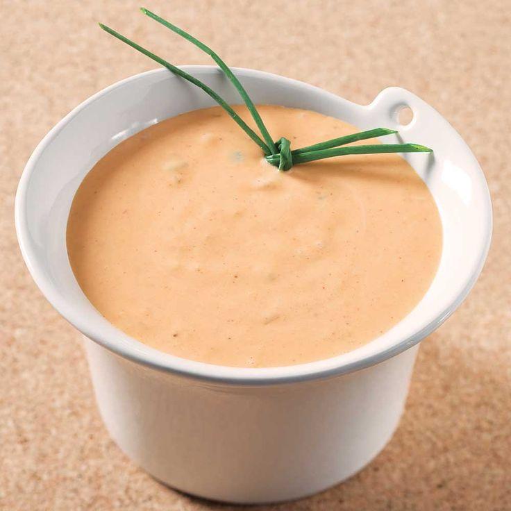 Découvrez cette recette familiale proposée par notre rédactrice en chef des magazines Je cuisine. Une sauce à fondue légèrement sucrée qui fera fureur lors de tous vos partys!
