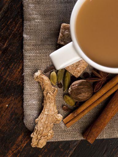 gingembre, thé, lait, clou de girofle, cardamome, eau, cannelle, anis étoilé, sucre