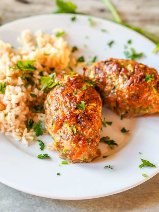 These Paleo Baked Lamb Kefta Kebabs make a deliciously hearty weeknight dinner. Ready in 40 minutes, this meal requires only one bowl for prep.