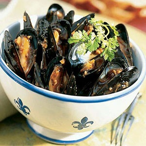 5 ways with farmed Mediterranean mussels | Yeo's Garlic Mussels | Sunset.com