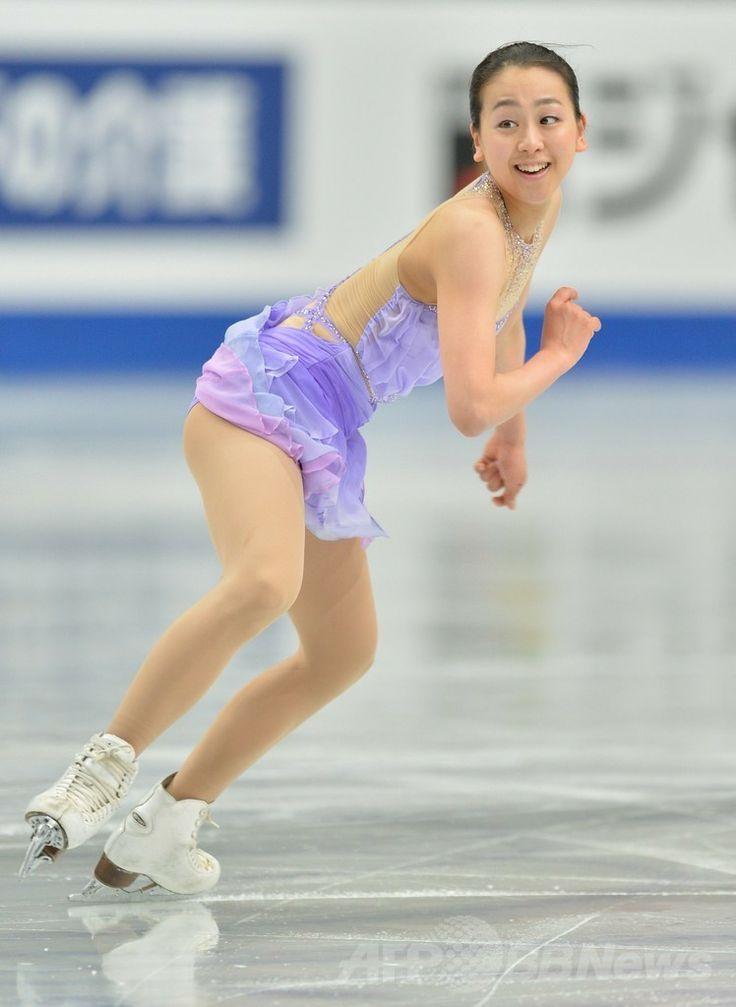 女子SPで首位発進した浅田真央、世界フィギュア  国際ニュース:AFPBB News