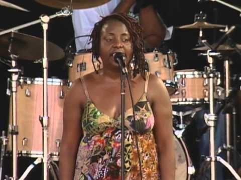 Ledisi aint't NEVA scared!! Ledisi - Full Concert - 08/09/08 - Newport Jazz Festival (OFFICIAL)