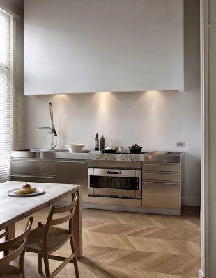 la tazzina blu: Cucina in acciaio: sì o no?