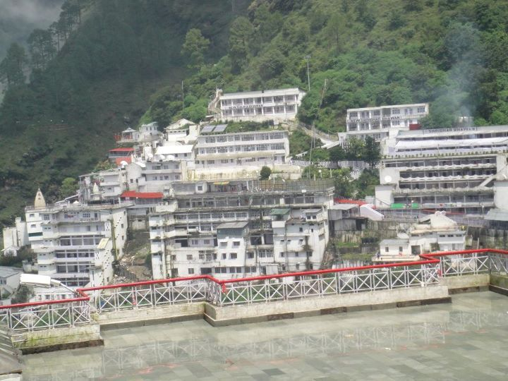 The world famous and most religious pilgrimage destination in India, Vaishno Devi Mandir is located at the height of 5300 ft on in the trikuta hills of state Jammu and Kashmir. The holy shrine of Mata Vaishno Devi is located inside a cave in a hill, It is one of the most sacred Hindu pilgrimage site, Approximately 8 million yatris visit the temple every year. There is another famous hill temple known as Mata Balaji Sundri Temple in kathua, Jammu and Kashmir.