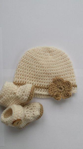 Gebreide & gehaakte schoenen - Gehaakte baby booties en mutsje, baby slofjes  - Een uniek product van FrisianKnitting op DaWanda