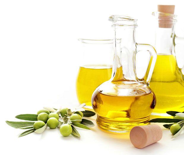 Los secretos del aceite de oliva virgen extra al descubierto. Beneficios de incluir el aceite de oliva en tu dieta. Aceite de oliva virgen extra, un cosmético natural.