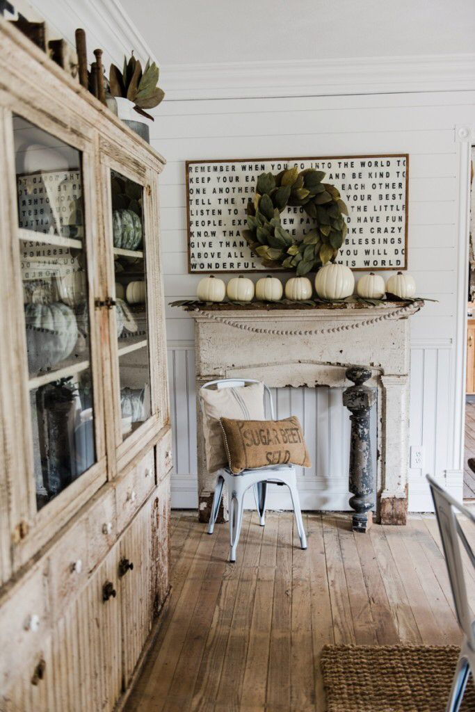 liz marie blog Simple & Rustic Fall Mantel http://www.lizmarieblog.com/2016/09/simple-rustic-fall-mantel/ via bHome https://bhome.us