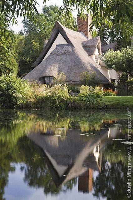 Bridge Cottage, Flatford, UK / Wonderful Places In The World