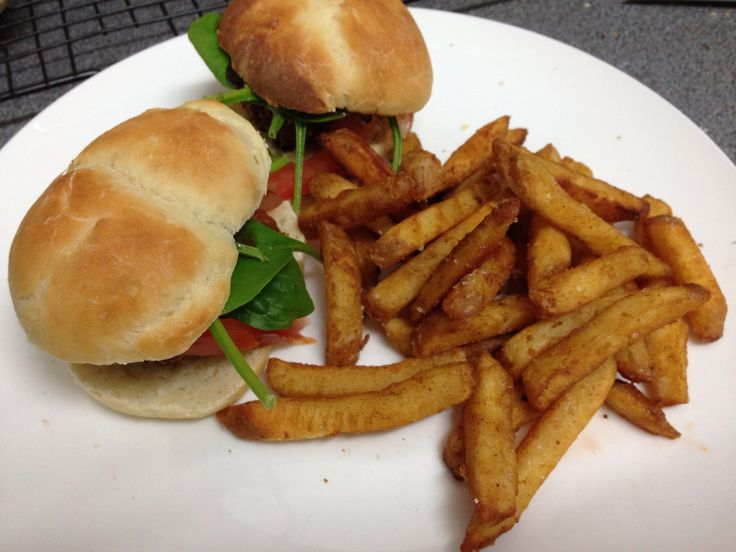 Soft bread rolls & crispy chicken patties
