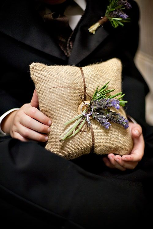 Burlap ring cushion with lavender.