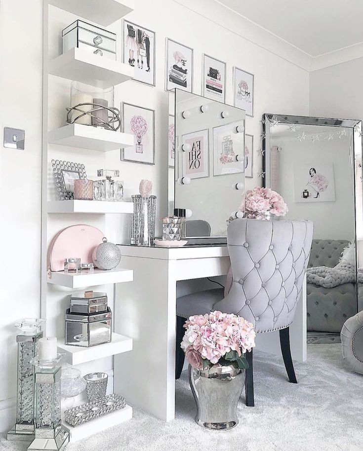 Dressing room goals from @no40_home_renovation featuring our Diaz Hollywood Mirror.🤩 | Makeup Mirror with Lights | Dressing Table Mirror with Lights | Vanity Mirror with Lights | Illuminated Makeup Mirror | Light Up Makeup Mirror | Hollywood Mirrors #hollywood #hollywoodmirror #hollywoodmirrors #dressingtable #dressingtable #dressingroom #vanitygoals #vanitymirror #mua #makeup #makeuptips #makeupartist #makeupmirror #beauty #beautytip #beautyblogger #mirror #hollywoodmirrorsofficial