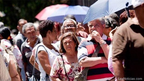 Los Pensionados y jubilados ya podrán cobrar con tarjeta de débito en 2013 - http://www.leanoticias.com/2012/12/20/los-pensionados-y-jubilados-ya-podran-cobrar-con-tarjeta-de-debito-en-2013/
