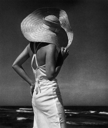 Au bord de la mer, 1936. Photo: Andreas Feininger.