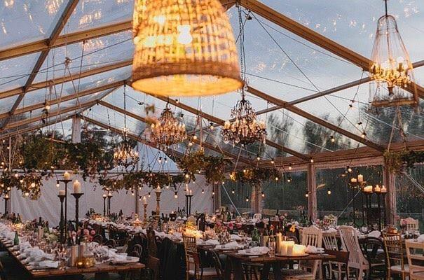 Un sí rotundo a las carpas transparentes!  John Benavente #carpasbodas #carpas #boda #bodas #wedding #casamento #casament #unabodaoriginal #blogdebodas http://www.unabodaoriginal.es/blog/