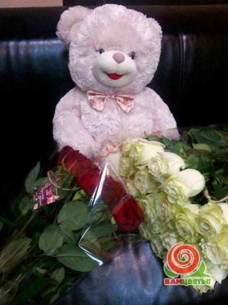 14 января 2015, Краснодар. Букет из белой и красной розы.