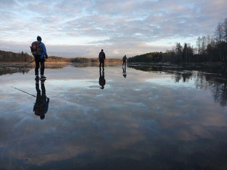 Ice skating on Poikkipuoliainen Lake in #Nuuksio