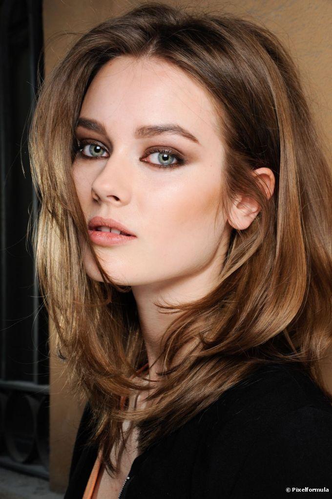 Maquiagem esfumado marrom