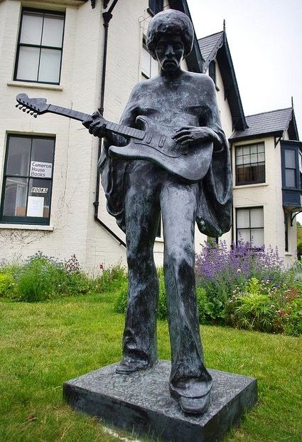 Isle Of Wight A Jimi Hendrix Statue... One Of The Last Places Hendrix Played...