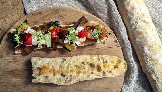 Panino vegetariano con ricotta, zucchine e crema di ceci   iFood