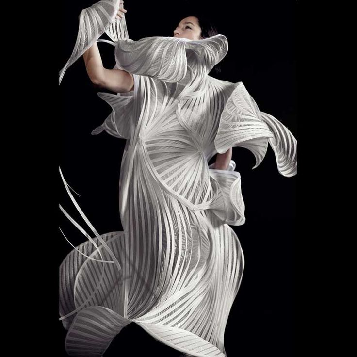 Fashion Architecture - sculptural fashion design with structured 3D construct // Sonia Biacchi