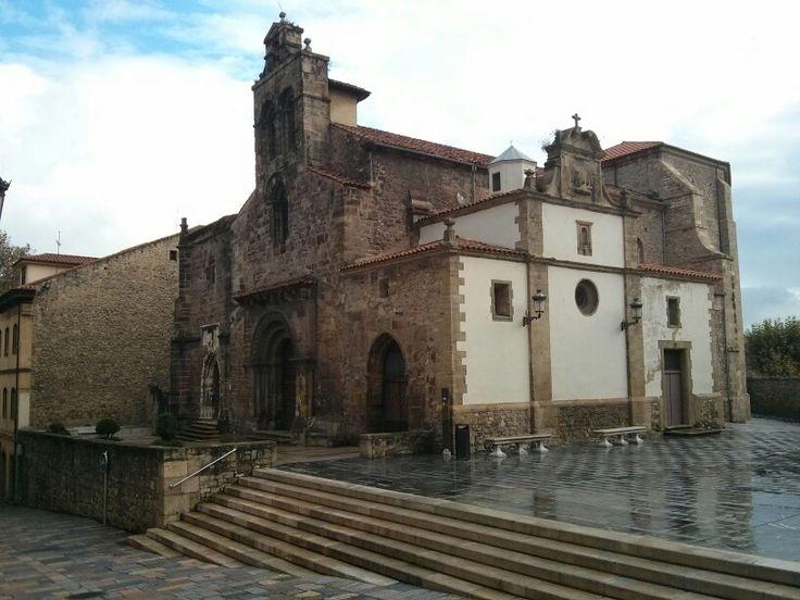 Iglesia de los Padres Franciscanos de Avilés. #EuropeosViajeros #Aviles #España #Spain #Europe #Viaje #Travel #Turismo #Tourism