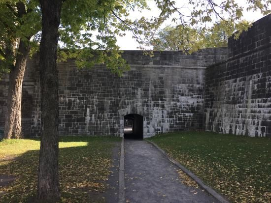 Quebec portes fortifications | Fortifications of Quebec National Historic Site Photo: Muralha