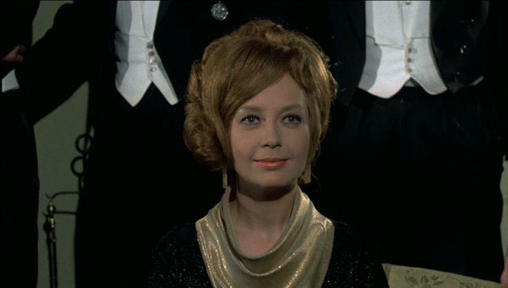 som Benedikte Swane-Hansen, i Tandlæge på sengekanten fra 1971.