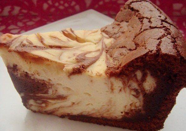 Фото к рецепту: Творожно-шоколадная запеканка Мраморная.