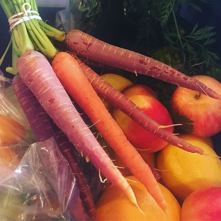 LVING these #local #heirloom Carrots fresh from #leamington soil! #teamleeandmarias #imdelivery